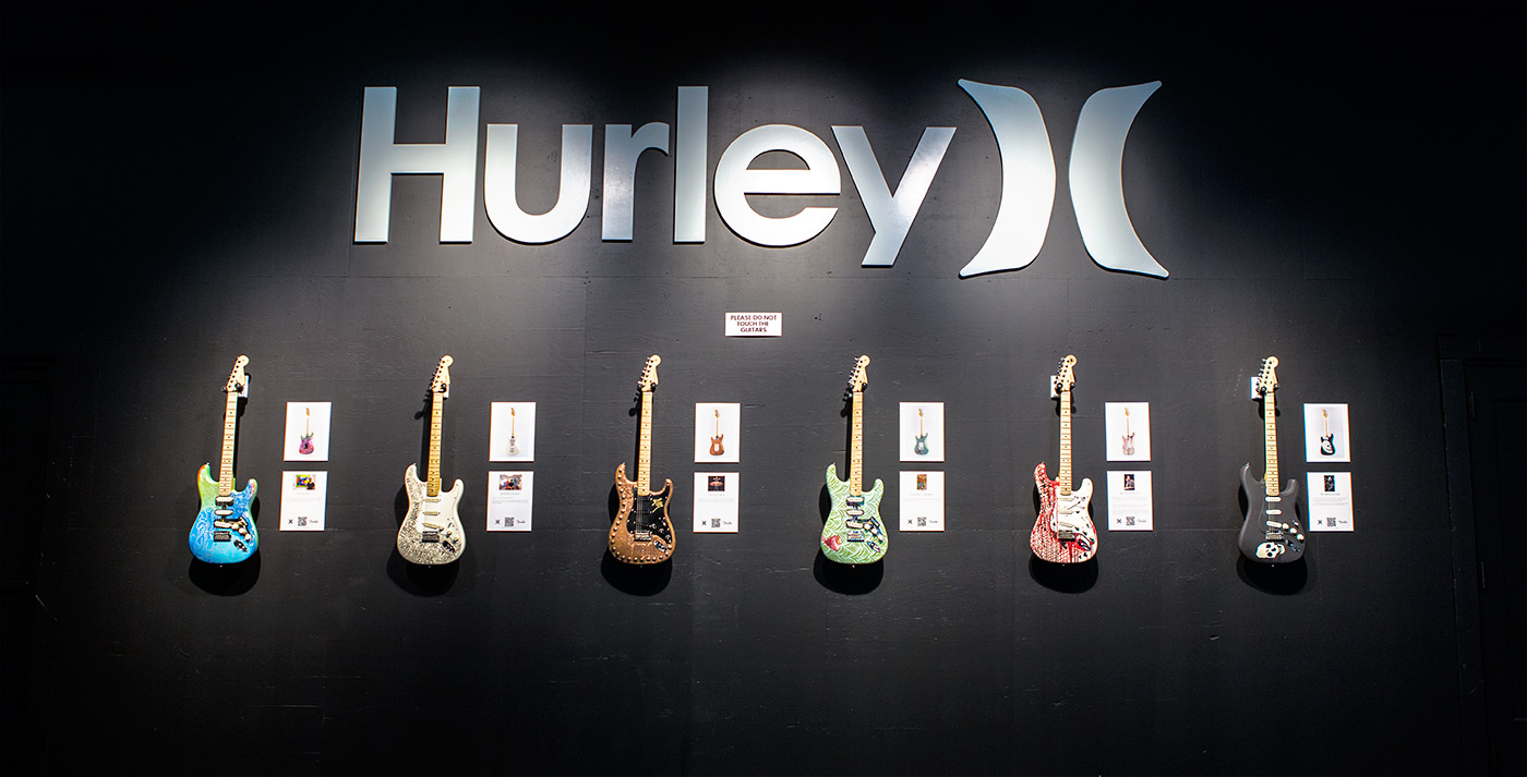 2014-Hurley-X-Fender-Strat-Auction-Guitars-27-1